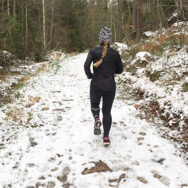 Vicksn springer i snö